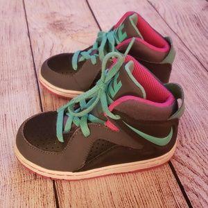 Kids nikes sneakers
